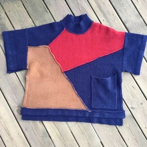 Umgee sweater cape, front large pocket, size S/M